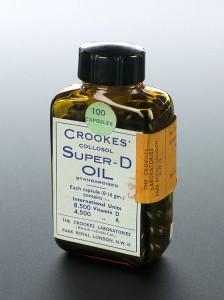 Bottle_of_Super-D_oil_capsules,_London,_England,_1940-1945_Wellcome_L0057855